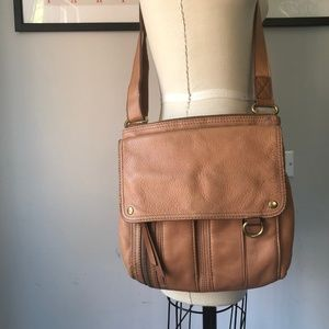 Fossil • Tan Crossbody
